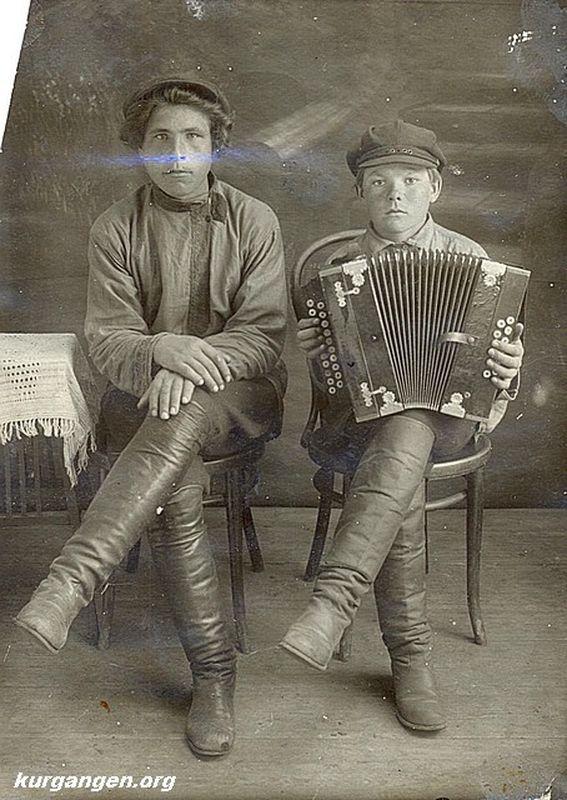 Жители деревни Лесниковой. 1920-е гг.
