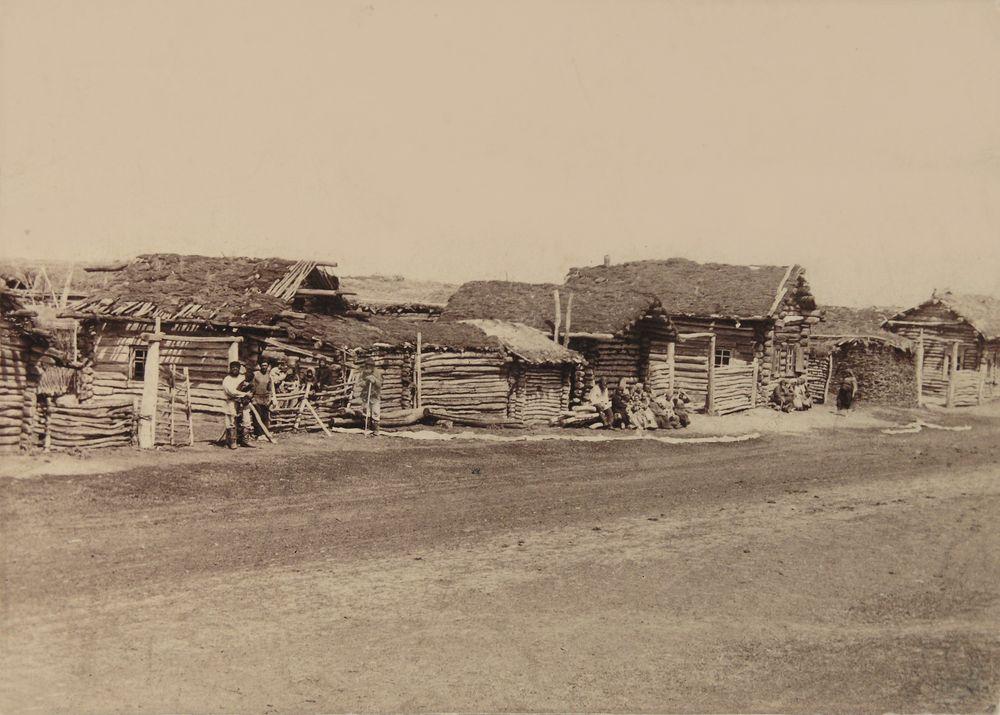 Улица в типичной зауральской деревне в конце XIX в. Фотография А.И.Кочешева.
