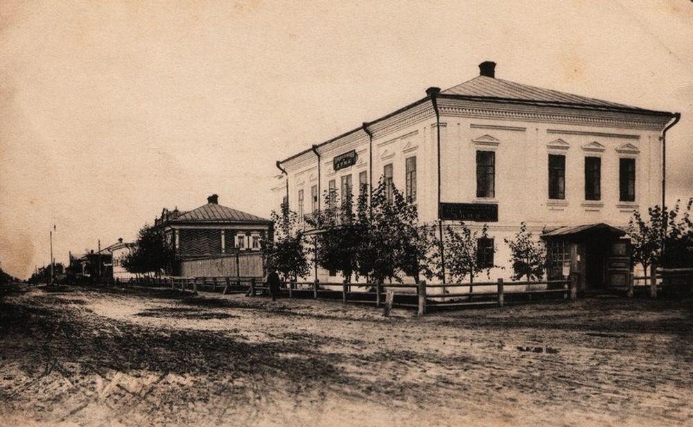 Здание Курганской городской думы в н. ХХ века. Фотография А.И.Кочешева. Начало ХХ века.