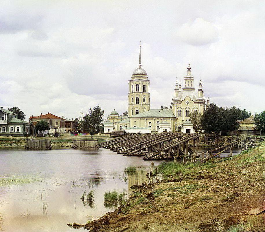 Шадринск в н. ХХ века: Преображенский собор и Николаевская церковь