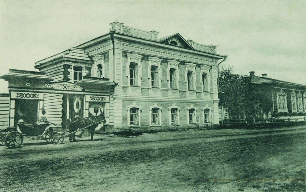 Здание Лесной школы в Кургане.Фотография А.И.Кочешева. Начало ХХ века.