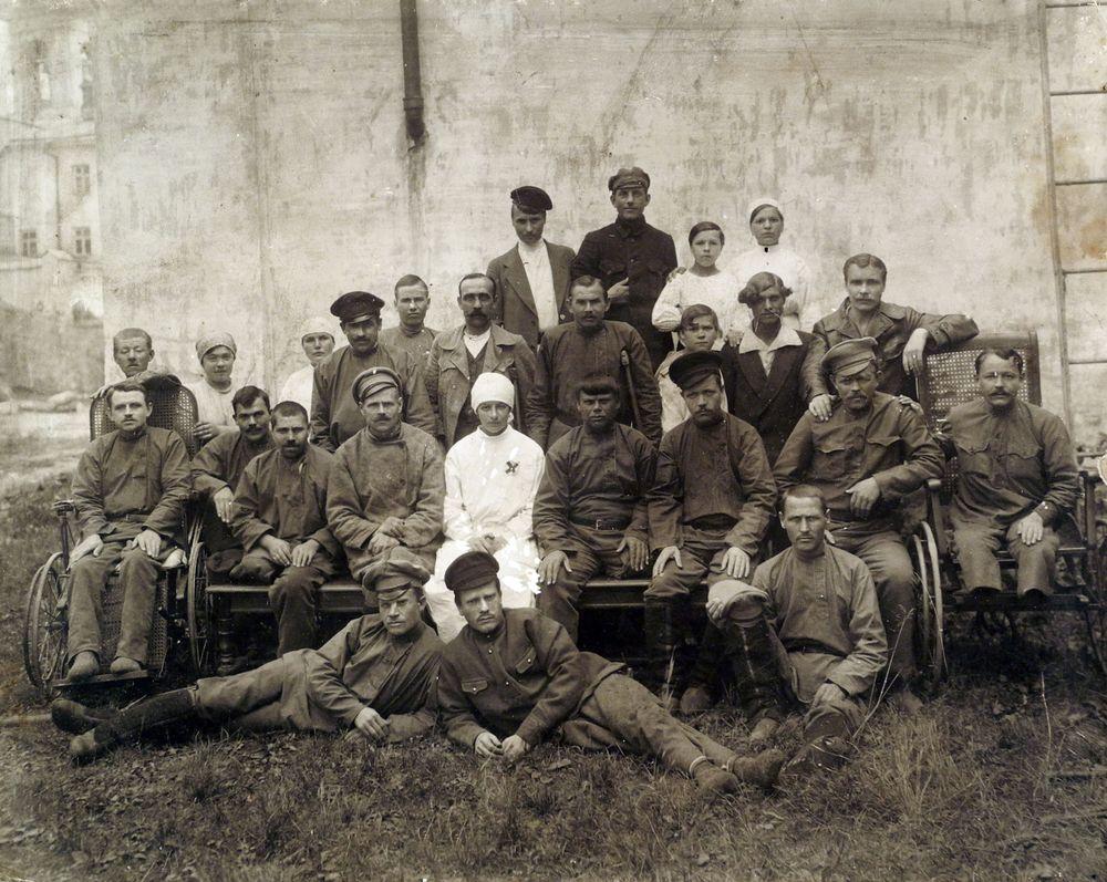 Инвалиды I мировой войн на излечении в госпитале г. Кургана, 1916.