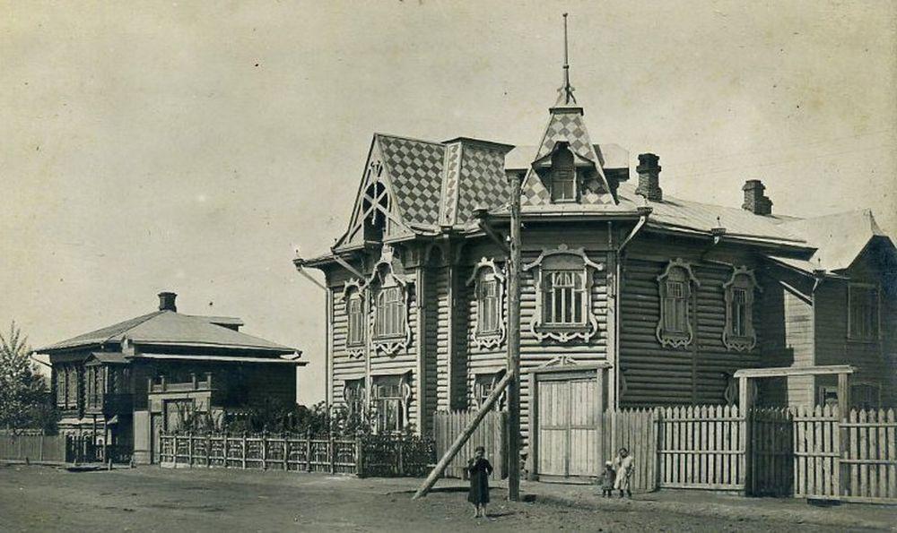 Дом инженера Фёдора Остапца. Курган, н. ХХ в. Фотография А.И.Кочешева. Начало ХХ века.