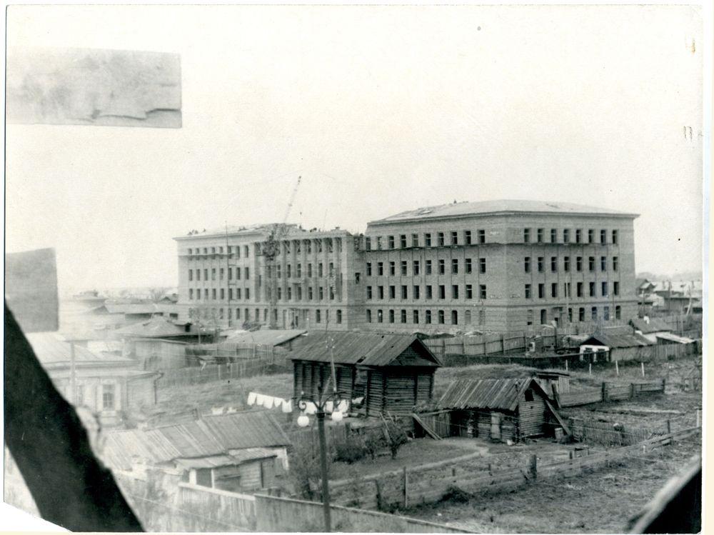 Строительство нового здания обкома КПСС. Курган. 1951 г.