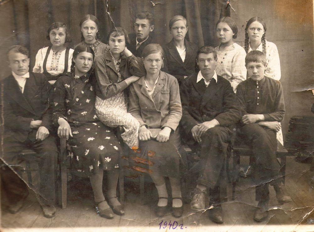 Ученики одной из школ г. Шадринска. 1940 г.