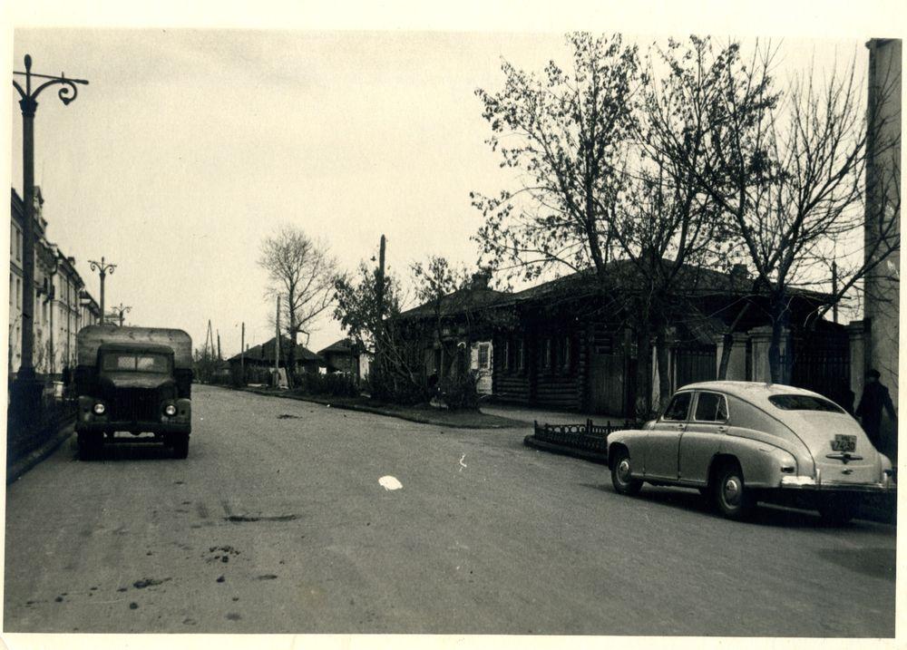 Курган, ул. Гоголя (между улицами Ленина и Пролетарской). 1959 г.