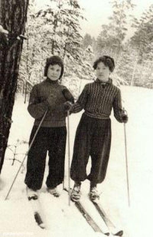 Лыжницы. 1960-е гг.