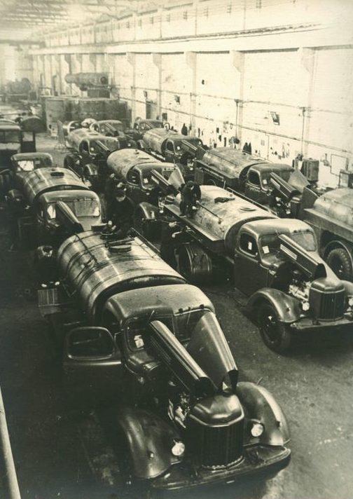 Сборочный цех Завода дорожных машин. Курган. 1962 г.
