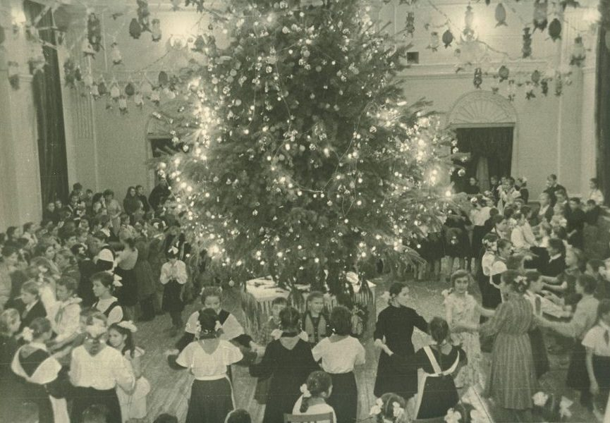 Новогодний праздник во Дворце пионеров. Курган. Декабрь 1962 г.