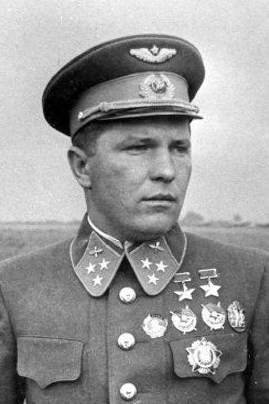 Дважды Герой Советского Союза Григорий Пантелеевич Кравченко