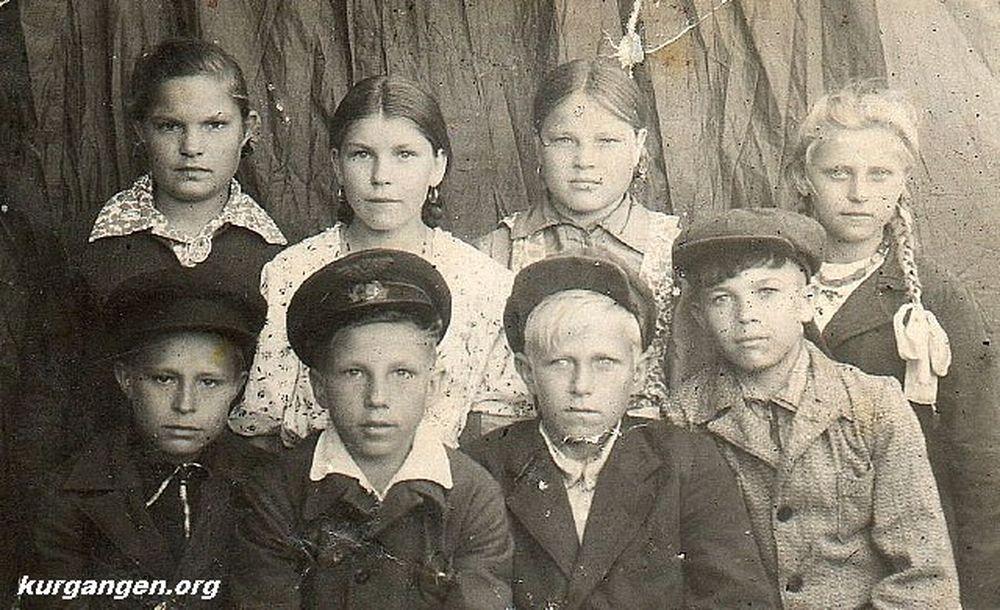 Школьники. Шадринский район.1949 г.